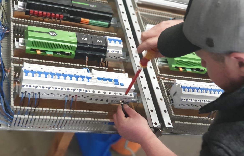 Lehrling für Elektrotechnik